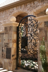 <h5>Fences and Gates - Westlake</h5><p>Signature Pools & Spas - Custom Swimming Pools</p>